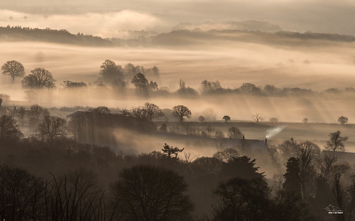 mist winter raddonhill sunrise landscape raddon crediton devon