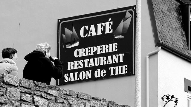 Café - Crêperie - Restaurant - Salon de Thé