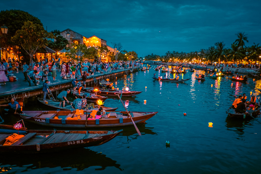 Lantern Boat Ride Hoi An | Things to do in Hoi An