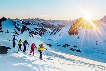Ze severu na jih - z Andermattu do Locarna na skialpech