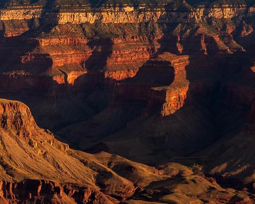 sunrise morning dawn light shadow colour red orange peak canyon view vista overlook nationalpark grandviewpoint southrim grandcanyonnationalpark grandcanyon arizona az unitedstates usa nikon d500 nikond500