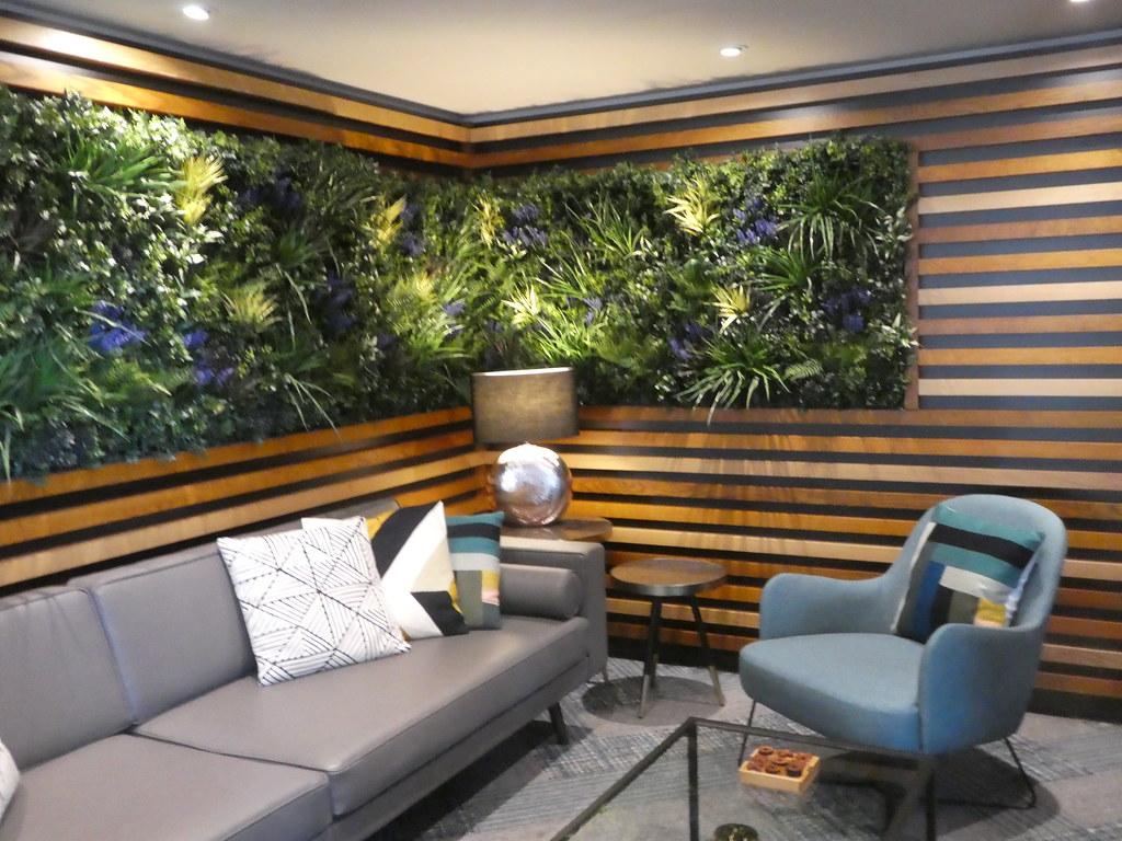 Lobby, Roomzzz, York City