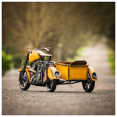 366 2301 tin toy motorbike motorcycle roat