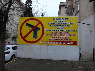 No weapon at weddings! / Keine Waffen zu Hochzeiten!