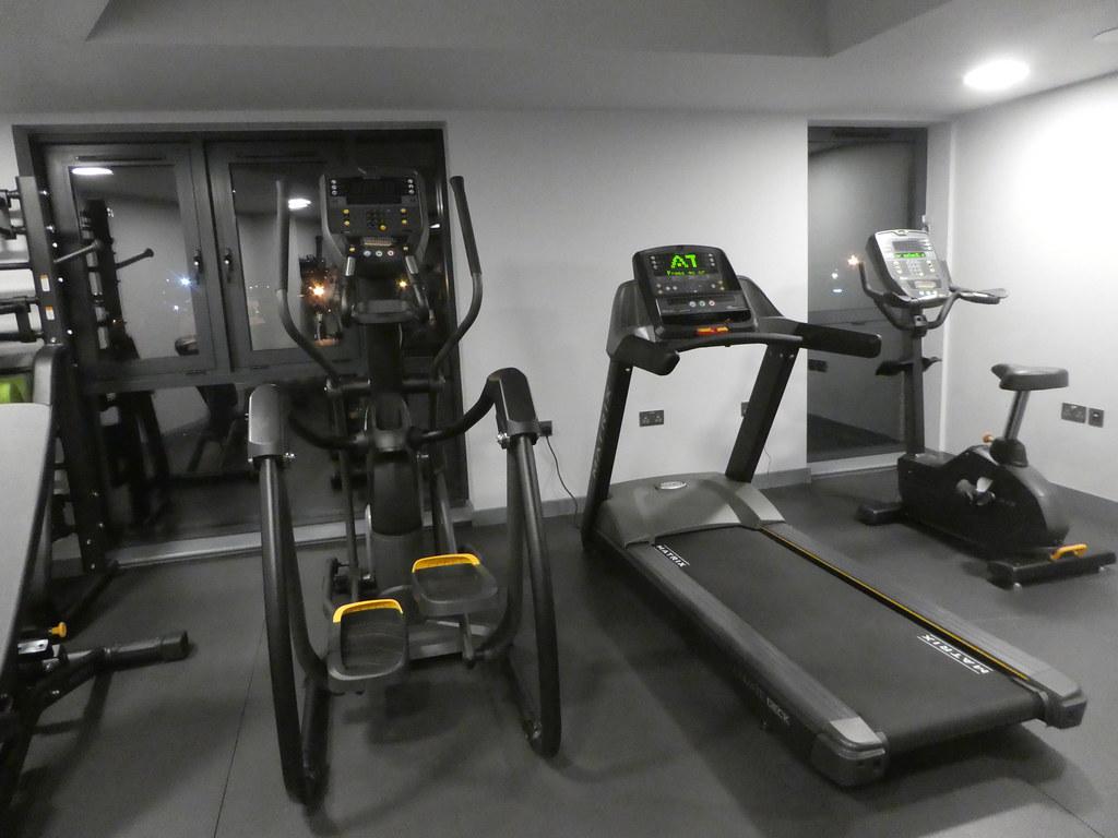 Gym, Roomzzz, York City
