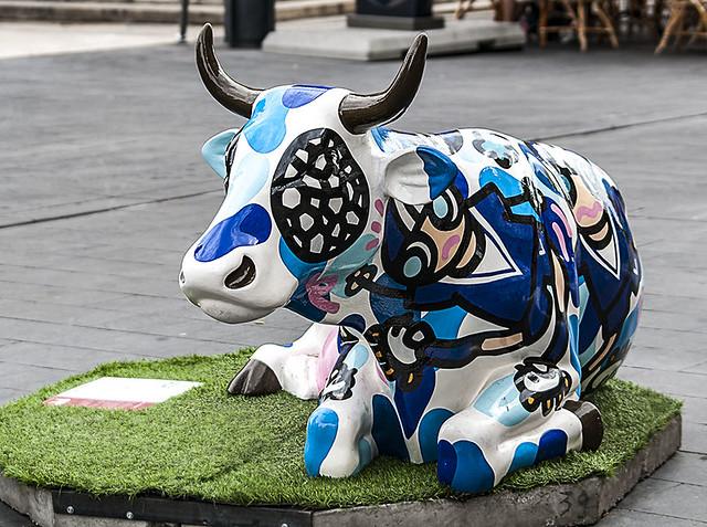 D3943-Cow Parade en Burdeos (II)