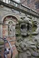 Pont d'accès à la cour intérieure, château de Frederiksborg (XVIe-XVIIe), Hillerød, Sélande, Danemark.