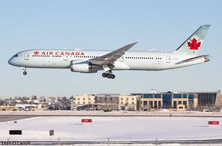 Air Canada B787-9 C-FGDT