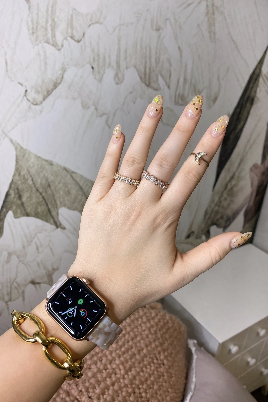 Gold Glitter Star Nails | Manicure of the Month | January Nail Art | Glitter Nail Inspiration | Almond Shaped Nails | UV Gel Nails