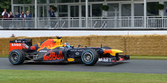 Red Bull Racing Renault RB8 2012 P1470768mods
