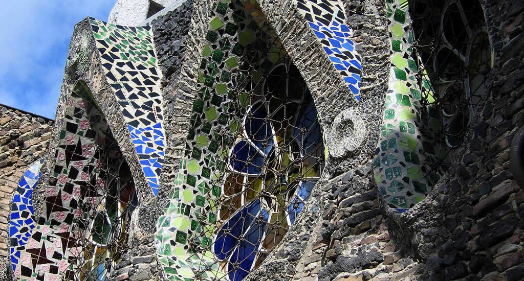 Onbekende bezienswaardigheden Barcelona: Colonia Guëll | Mooistestedentrips.nl