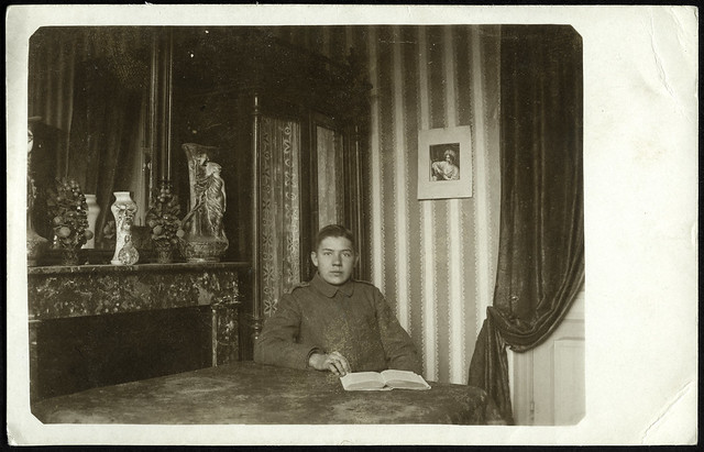 ArchivV69 Kadett im Salon, 1910er