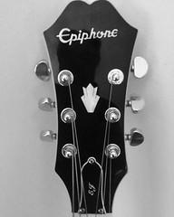 Epiphone EJ200