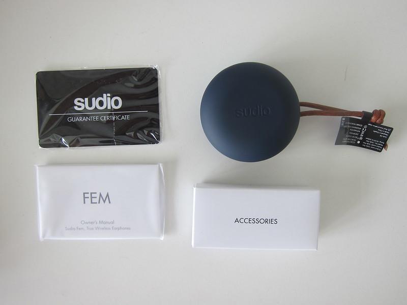 Sudio Fem - Box Contents - Blue