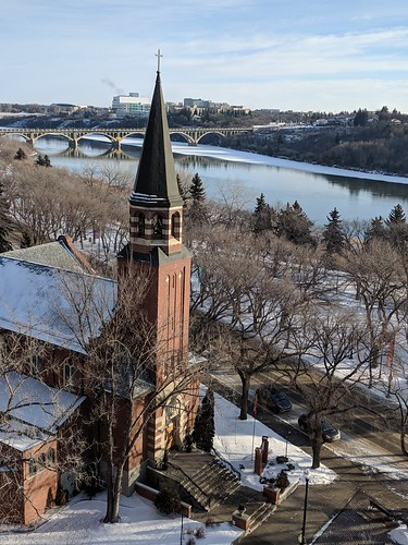 church building religious river bridge scape landscape city urban saskatoon saskatchewan canada winter fromabove january 2019 googlepixel googlepixel2 southsaskatchewanriver stpaulscocathedral romancatholic cathedral cocathedral fav excelente trabajo saludos challengefactorywinner challengewinner unanimous roof 9fav