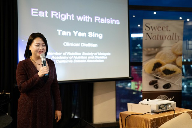 Dietitian Ms Tan Yen Sing