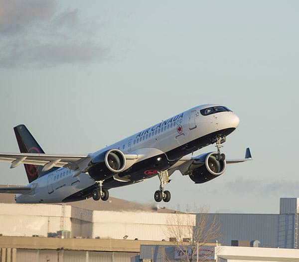 Air Canada A220-300 takeoff (Air Canada)