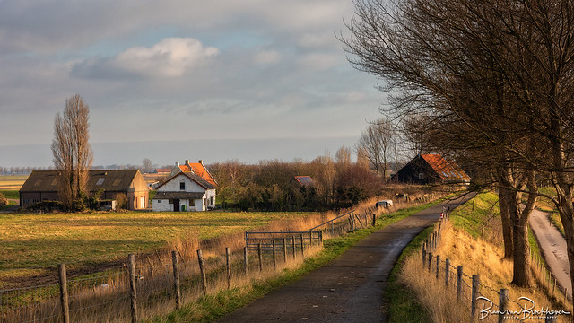 Bicycle path, fences and farm (HFF)