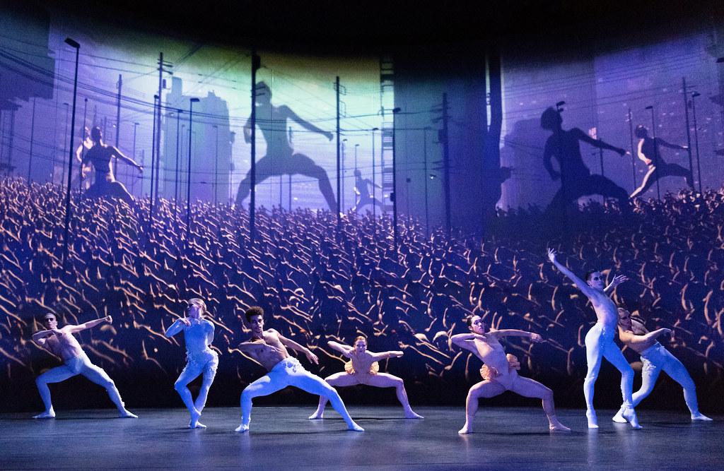 Rambert dancers in Aisha and Abhaya, Rambert ©2019 ROH and Rambert. Photograph by Foteini Christofilopoulou