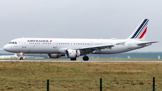 Airbus A321-212 F-GTAU Air France