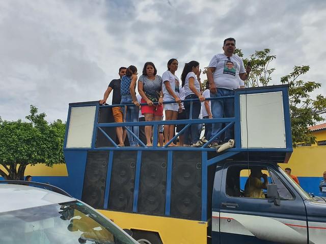 Centenas de pessoas se manifestam no Fórum de Caririaçu e pedem justiça para João do Povo