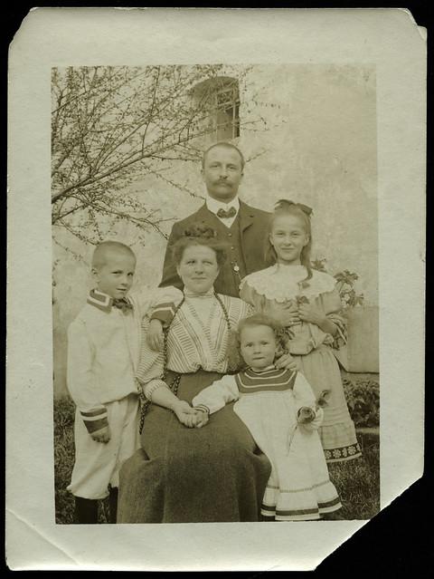 ArchivV77 Junge Familie, 1910er