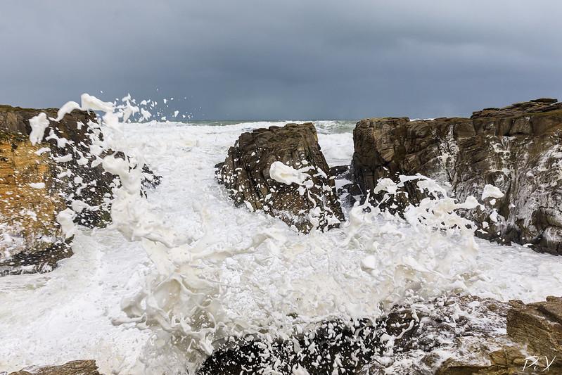 PiX  - Eric Gillard | Splash d'écume sur la côte sauvage