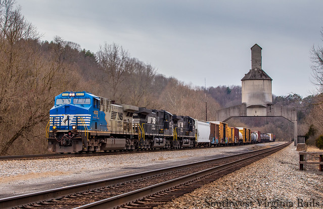 4000 leading NS 16T. Vicker, Va.