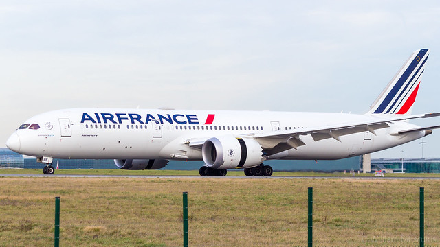 Boeing 787-9 Dreamliner F-HRBE Air France
