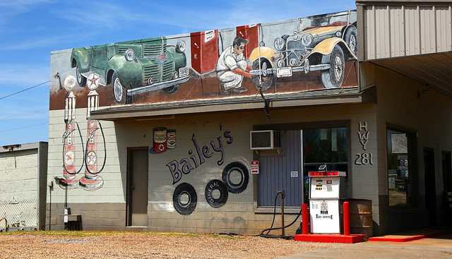 Bailey's Gas Station - Gracemont, Oklahoma