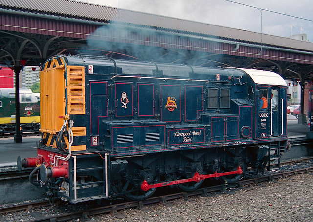 08833 BR Class 08 Liverpool Street Pilot