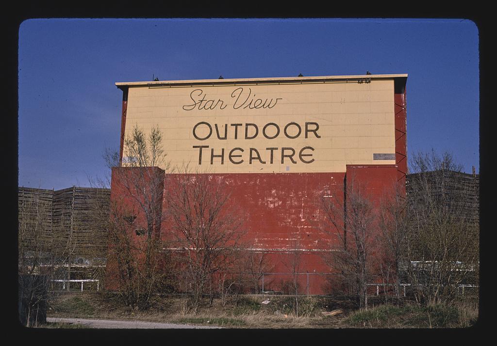 Star View outdoor Theater, Vine Street, Lincoln, Nebraska (LOC)