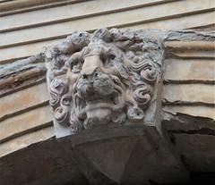 Un lion attaqué, cour intérieure, château de Frederiksborg (XVIe-XVIIe), Hillerød, Sélande, Danemark.