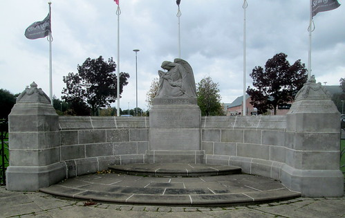Devonvale Mills War Memorial Close-up