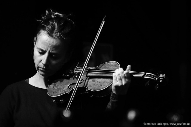 Catherine Aglibut: violin