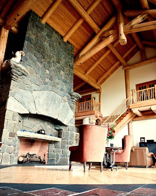 Lake Country Western Red Cedar Post and Beam Log Home - British Columbia 00001