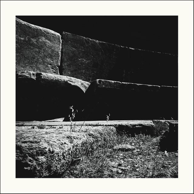 Le pouvoir des pierres / The power of stones #03