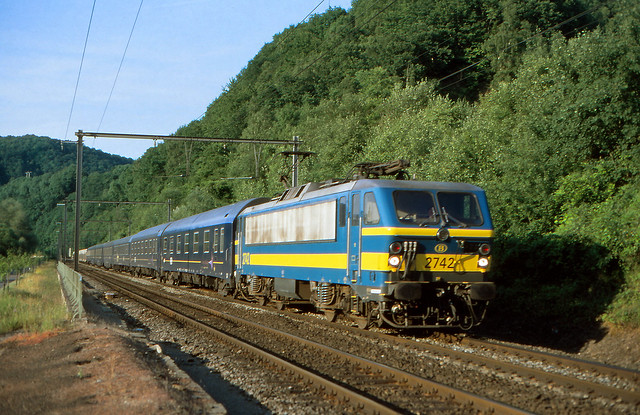 NMBS 2742 @ Esneux