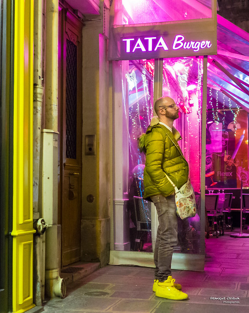 Street - Tata Burger