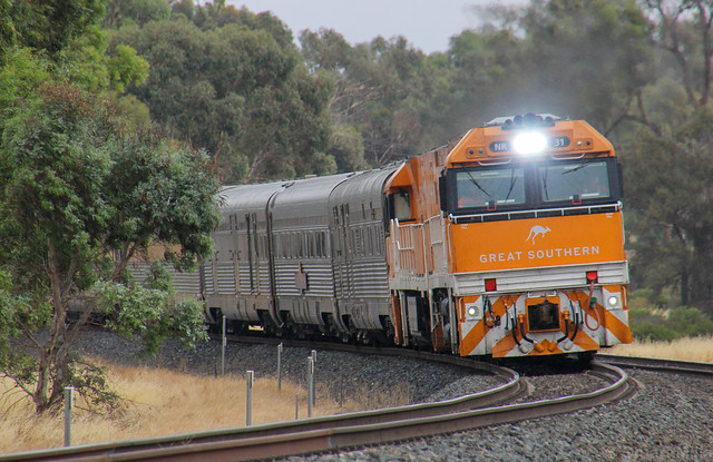 NR31 and NR30 slowly roll the Great Southern through Dimboola loop for a crew change