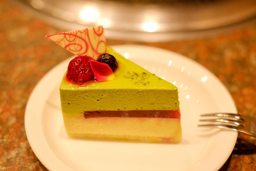 焼肉の後のケーキ
