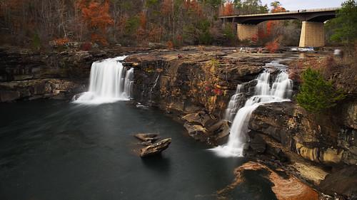 alabama littlerivercanyon water waterfall longexposure pentaxian pentax opensourcesoftware gimp rawtherapee fortpayne usa landscape landschaft bridge