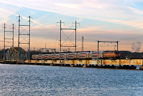 njt njtransit bombardier alp46a prr pennsylvaniarailroad heritageunit perthamboynj riverdraw raritanriver train railfan railroad
