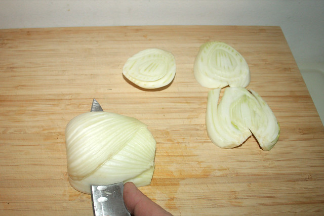 23 - Fenchel in Scheiben schneiden / Cut fennel in slices