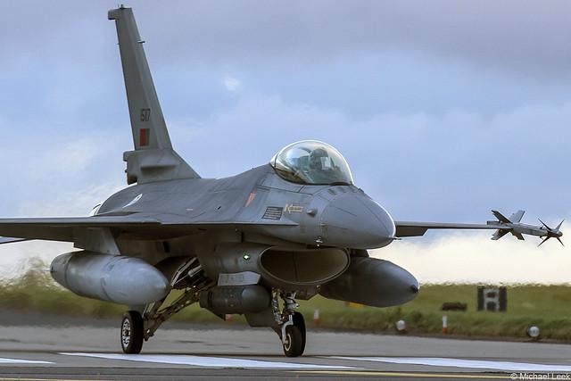 Portuguese Air Force (Força Aerea Portuguesa) General Dynamics F-16A Fighting Falcon 15117; 301 esquadra (Jaguares), Monte Real AB, Portugal