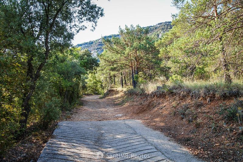 Final del pavimento en el camino a la Font de la Llúdriga