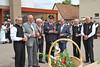 Einladen der Ehrengäste bei der Feuerwehrremise Karlsruhe-Neureut anläßlich des Billeder Heimattages 2017