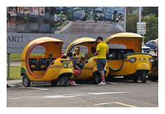 coco_taxi_cuba_2020