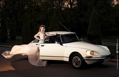 Citroen DS Girls & Cars Photo 3