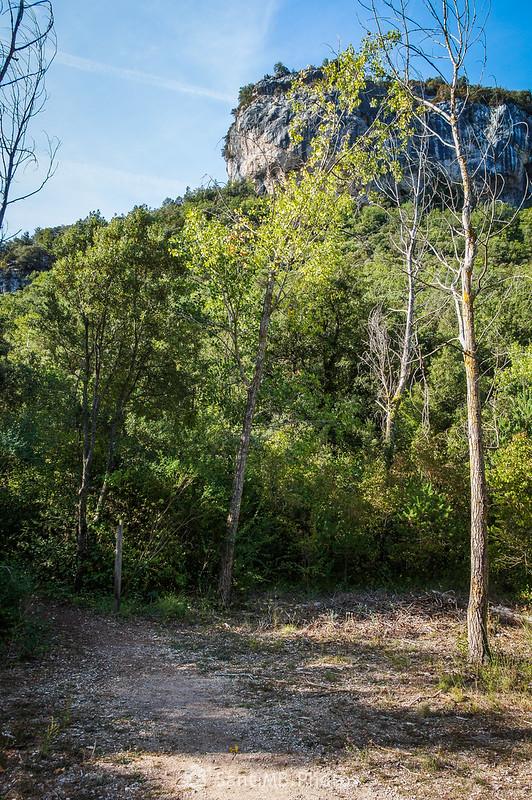 El Morral de la Devesa desde el sendero de Les Tosques a la Font de la Llódriga
